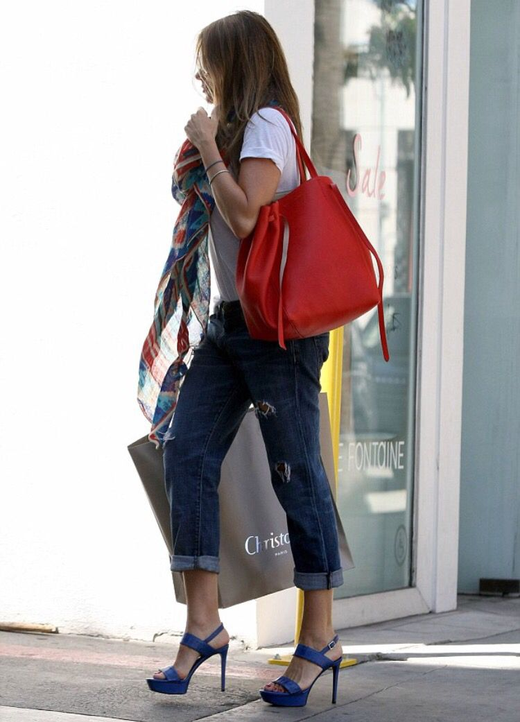 f8fbac0d9041 Sofia Vergara carrying Celine Red Phantom Cabas Tote.