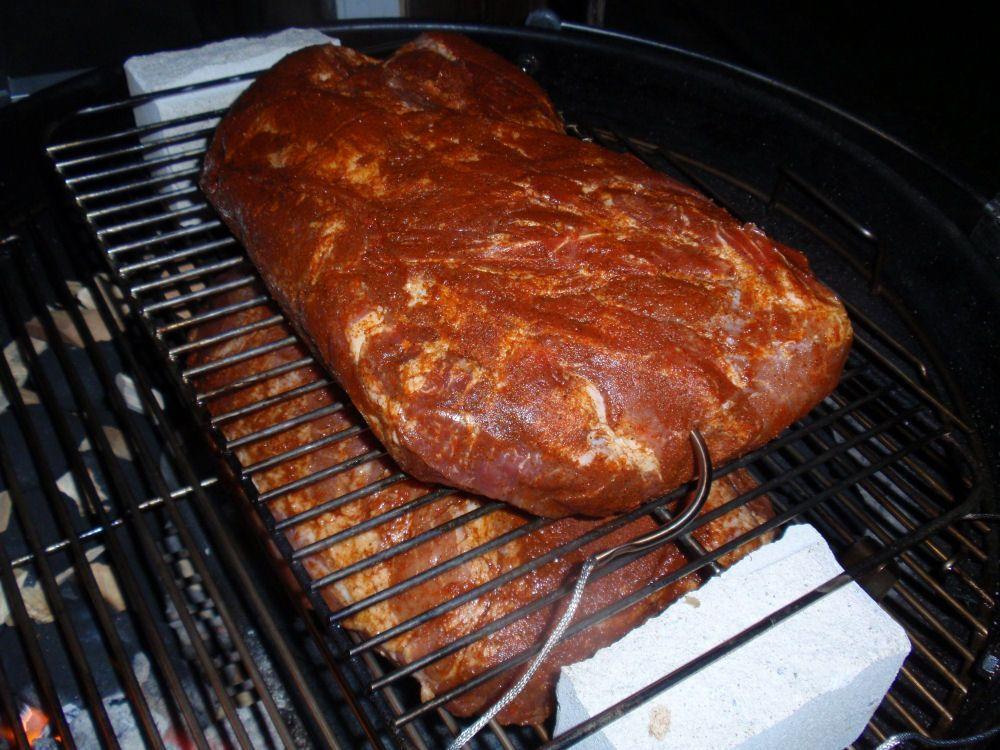 pulled pork im kugelgrill wie macht man das eigentlich pulled pork pfingstpp07 duch oven. Black Bedroom Furniture Sets. Home Design Ideas