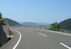 全国にツーリングにおすすめな道路はありますがその中の一つ香川県の五色台スカイラインをご紹介 五色台とは紅峰黄峰黒峰