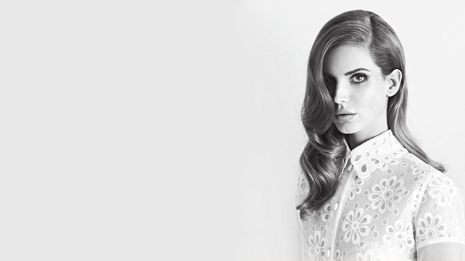images Lana Del Rey Wows In White At Echo Music Awards