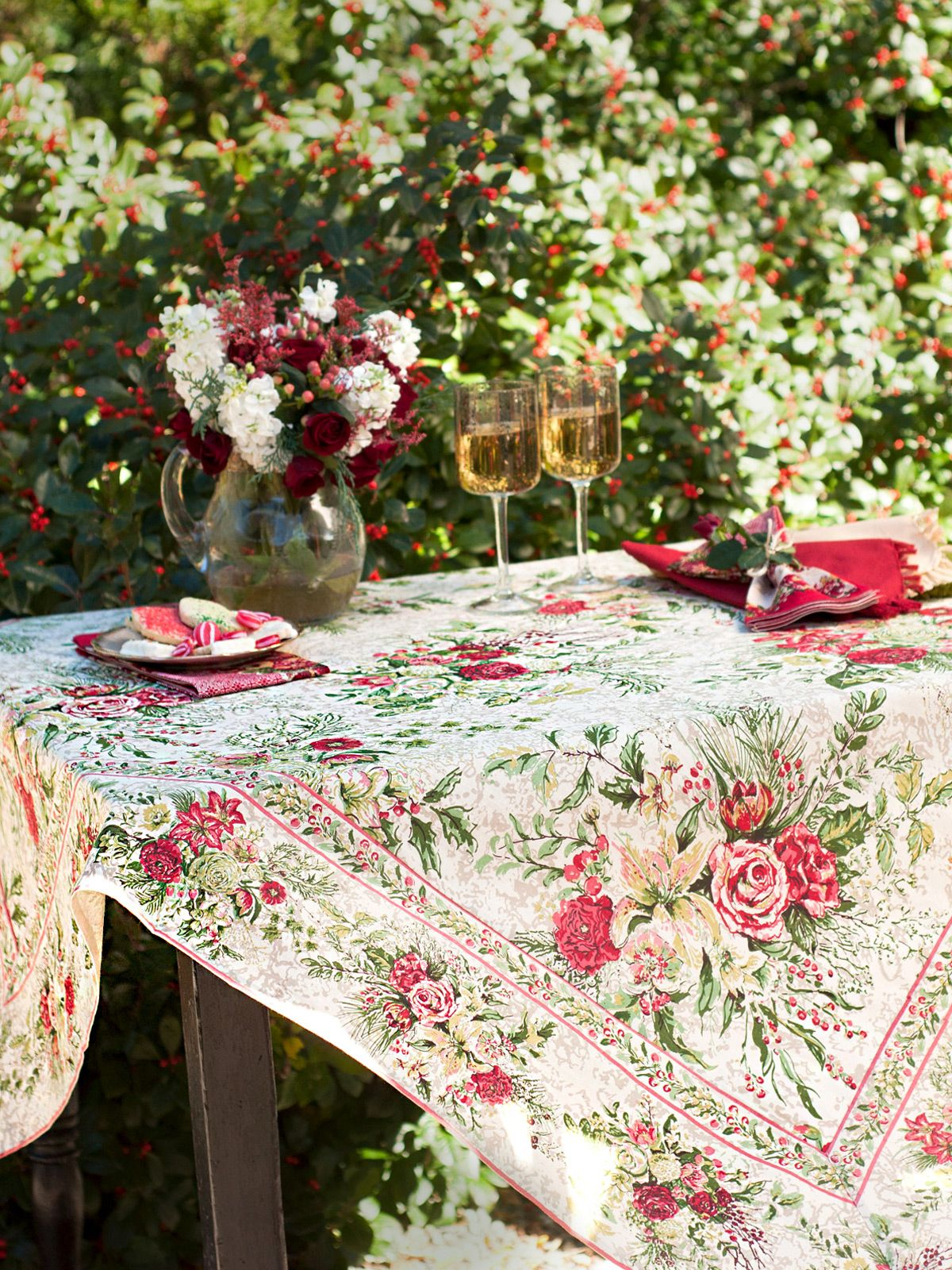 April Cornell Merry Tablecloth Antique
