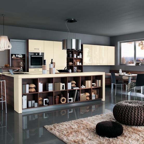 Cuisine Mélia ivoire brillant : Une parfaite intégration dans l'espace à vivre grâce aux jeux de casiers de rangements.