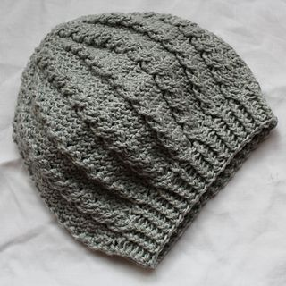 This beret is designed to match the Ivy-cowl.