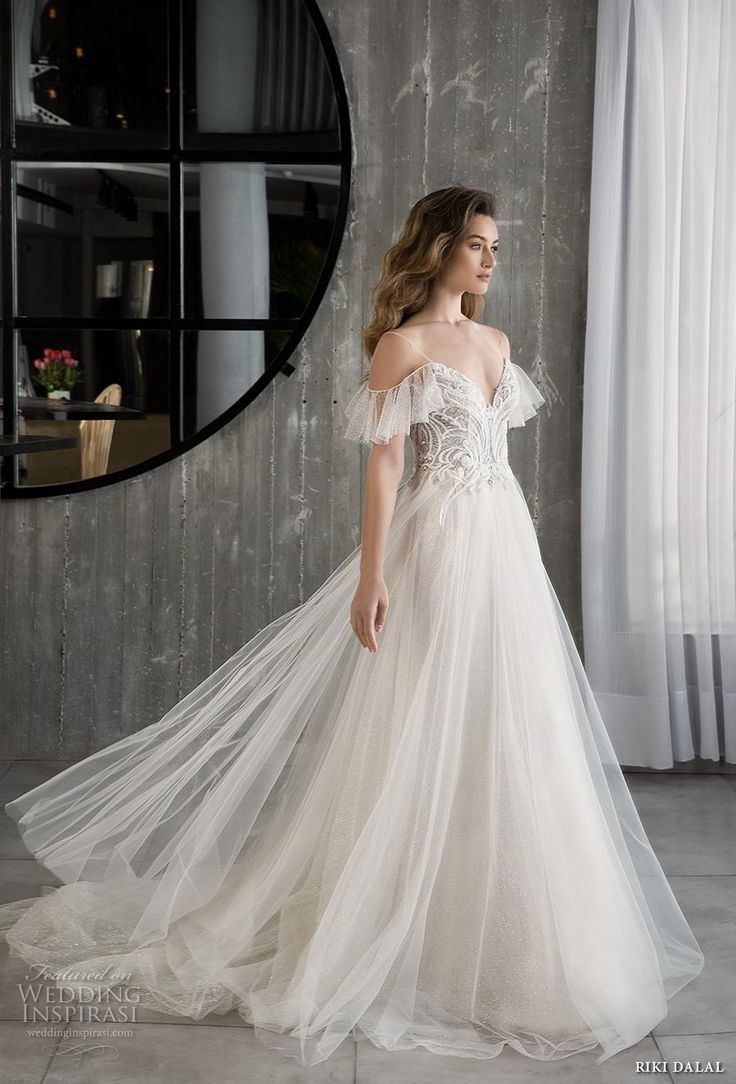 Riki Dalal 2018 Glamour Braut Kälte sollte Spaghettibügel V-Ausschnitt stark v…