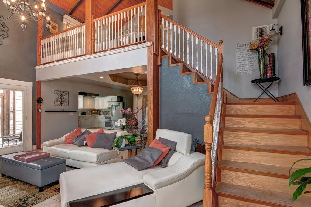 Open Wood Beam High Ceiling Balcony Open Concept Wood Beams House Home