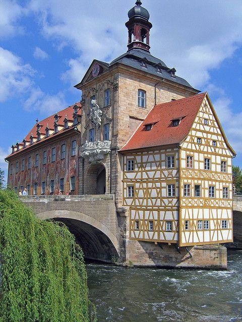 ALEMANIA - BAMBERG (1993). El trazado de esta ciudad medieval ejerció una influencia considerable en la del norte de Alemania y Hungría  #Bamberg