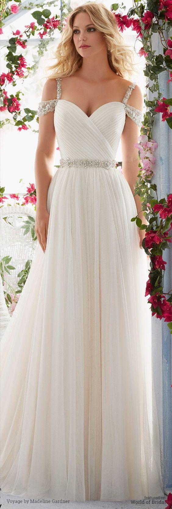 Crystal Beaded Embroidered Straps Wedding Dresses、 Deer