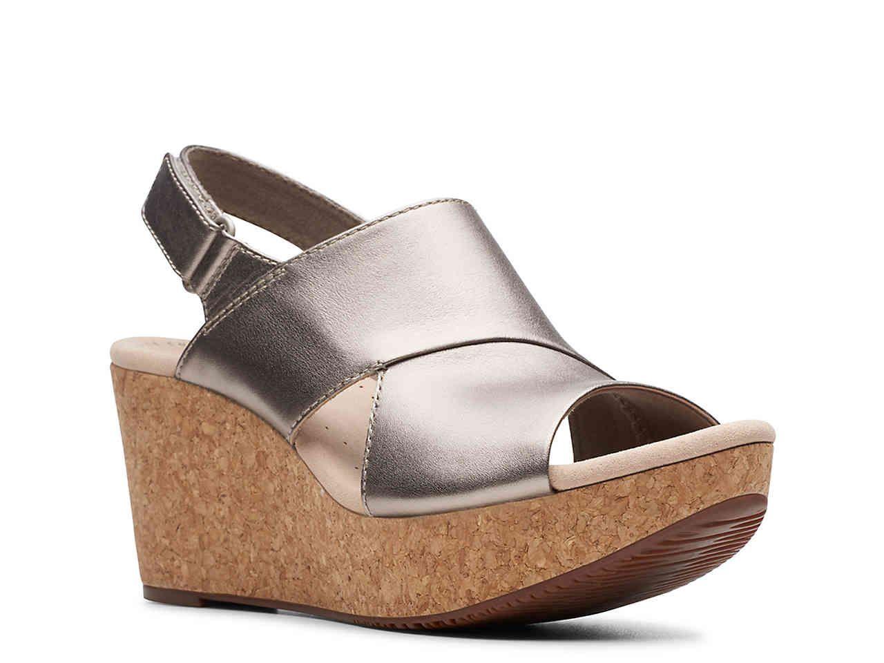 NIB Born Women/'s Fremont Sandal In Brown