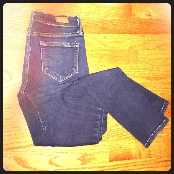 PAIGE skinny jeans, size 24 Great basic skinny jeans, Paige denim! Paige Jeans Jeans Skinny