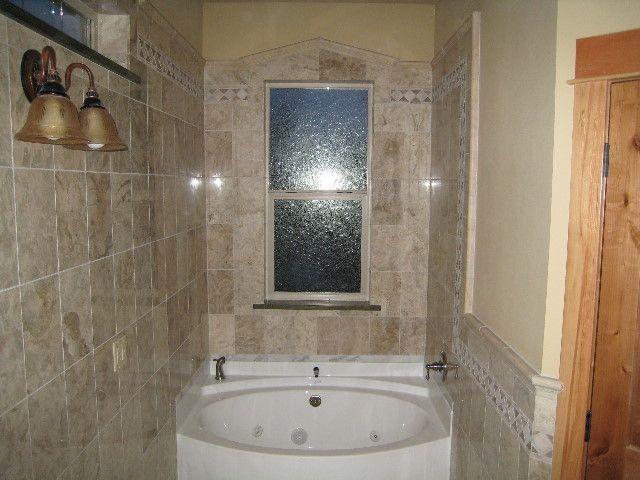 Bathroomtilewainscotingl94E30E23A8A2Ec78 640×480 Custom Wainscoting Bathroom Design Inspiration