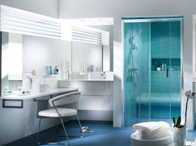 exemple déco salle de bain bleu et gris | Mobalpa, Salle de bains et ...
