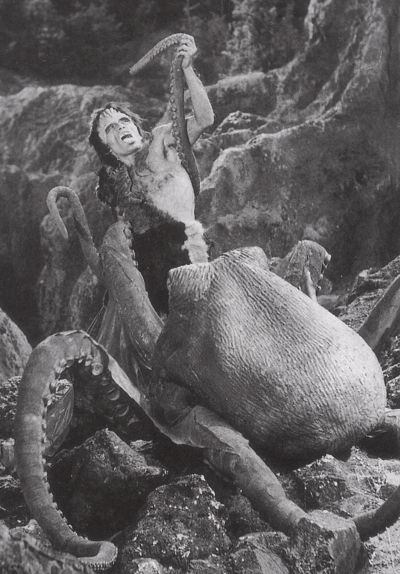 FRANKENSTEIN CONQUERS THE WORLD (Giant Octopus scene deleted from America release)
