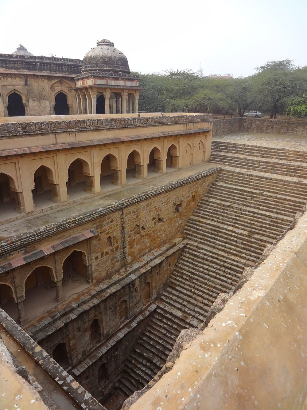Stepwell Architecture http://www.thisiscolossal.com/2015/08/stepwell-architecture/