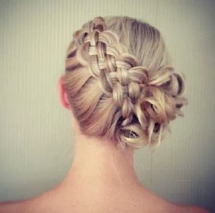 Frisuren pixie blond
