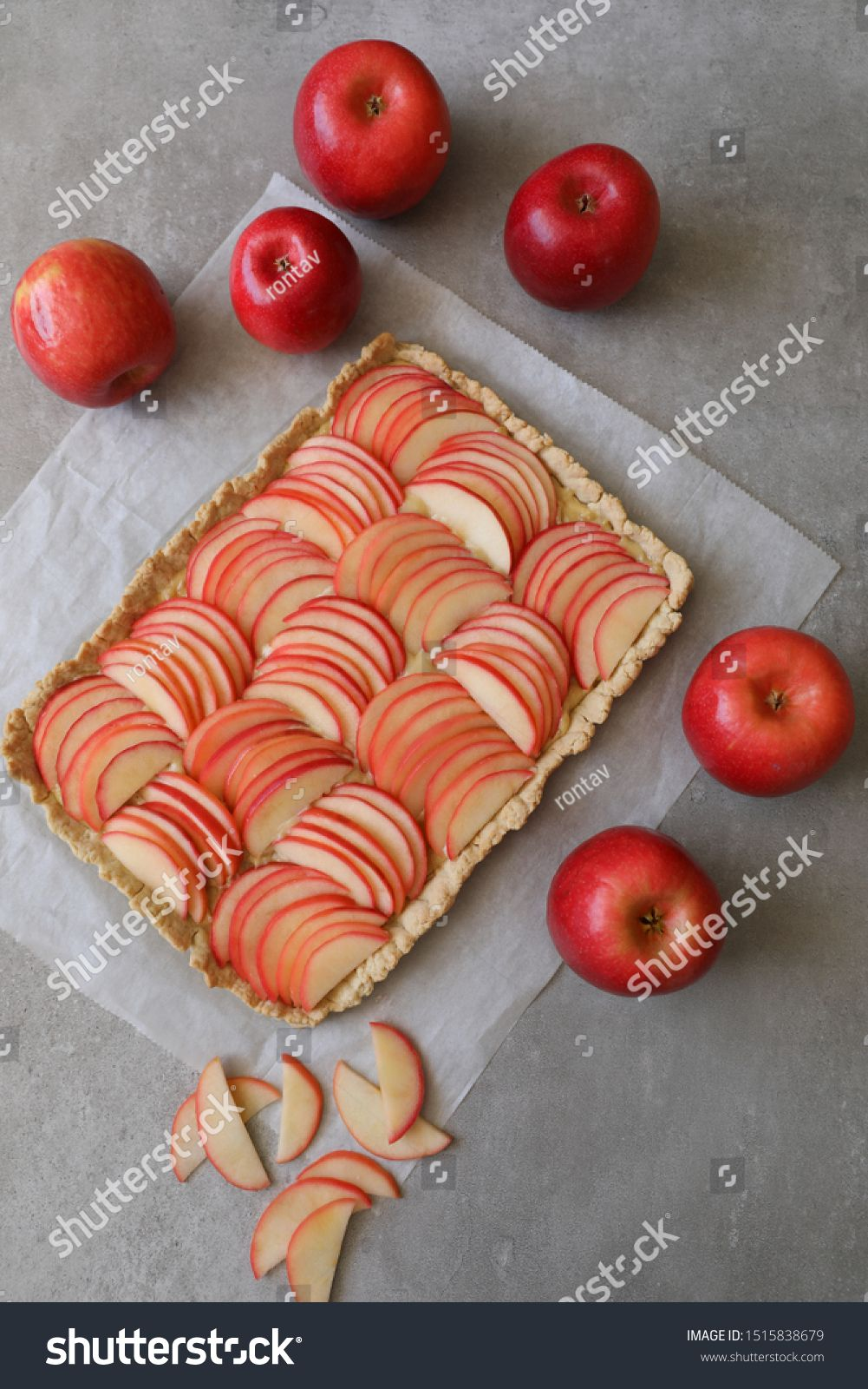 Beautiful Red Apple Lattice Tart On A White Baking Sheet And Light Grey Background With Fresh Ripe Red Apples Aside Apple Red Apple Apple Season Home Baking