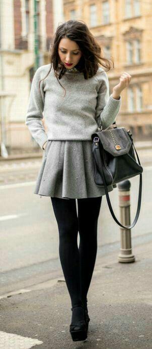 edd54729f8a57 Lucirás a la  moda en la temporada de frío.  OutfitParaInvierno   OutfitConFalda  StreetStyle  Fashion