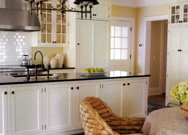 Pleasing Subway Tiles Yellow Walls Soft White Cabinets Dark Download Free Architecture Designs Xerocsunscenecom
