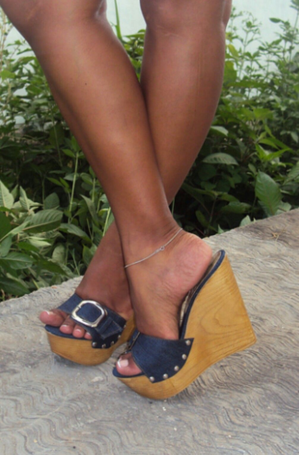 494a5bc104ff Pin on wooden heels