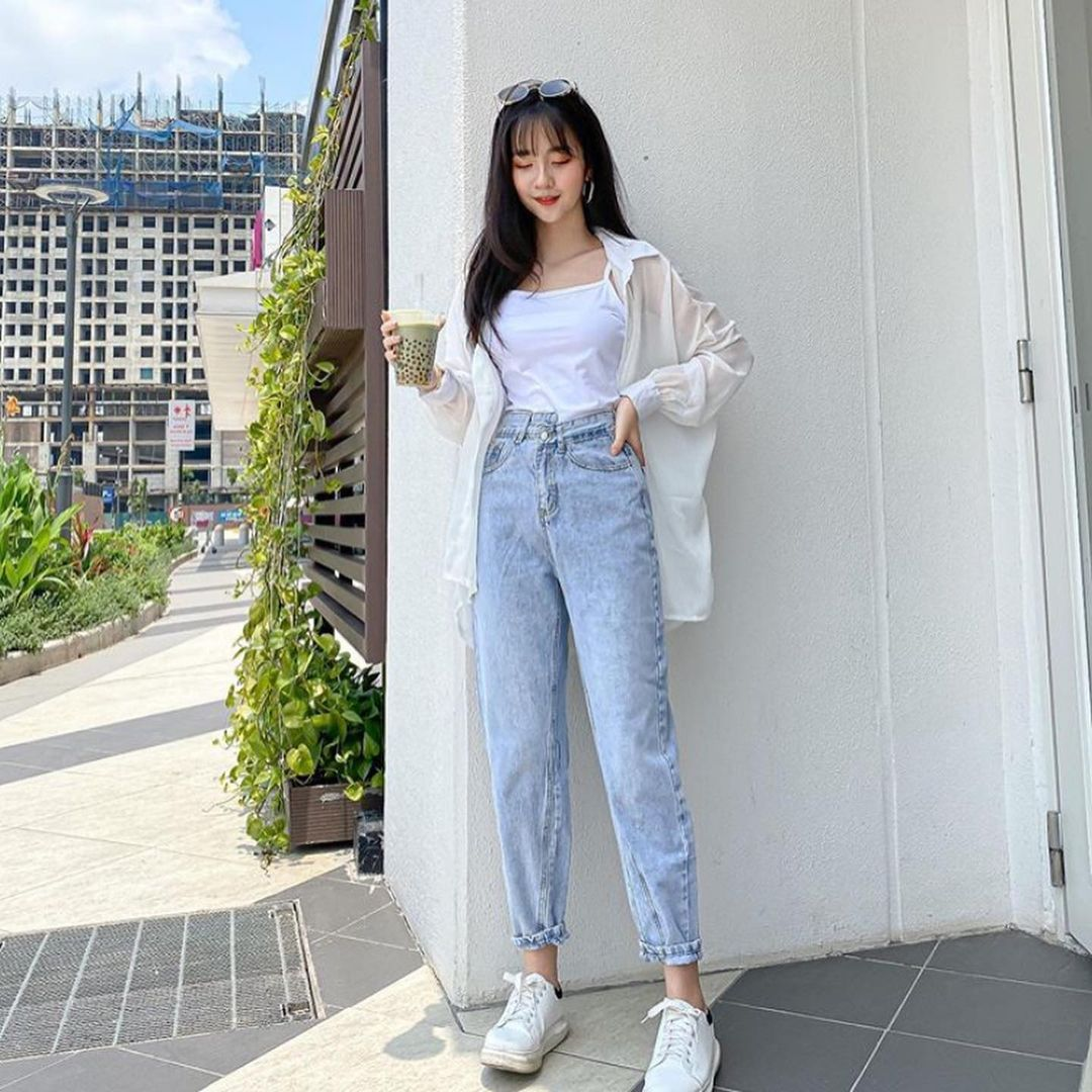 Woman classy clothing inspiration style summer 2021 gentle japanese fashion instagram college