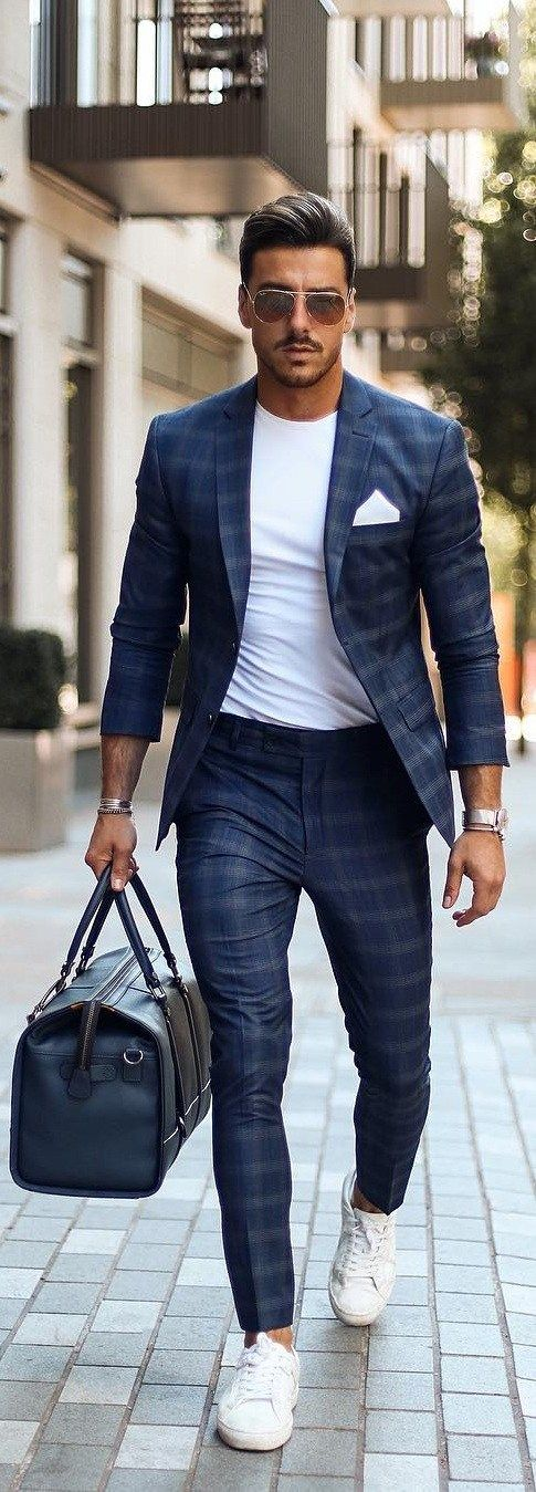 7274ac675881 White t-shirt is one of the basic fashion piece in every men's wardrobe.  Here are 20 trendy white t-shirt outfit ideas for men to get cool looks  easily.