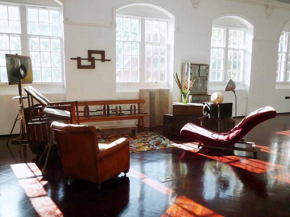Retro Film Locations London Limehouse Photo Shoot Filming Locations Apartment Interior Interior Design School Home