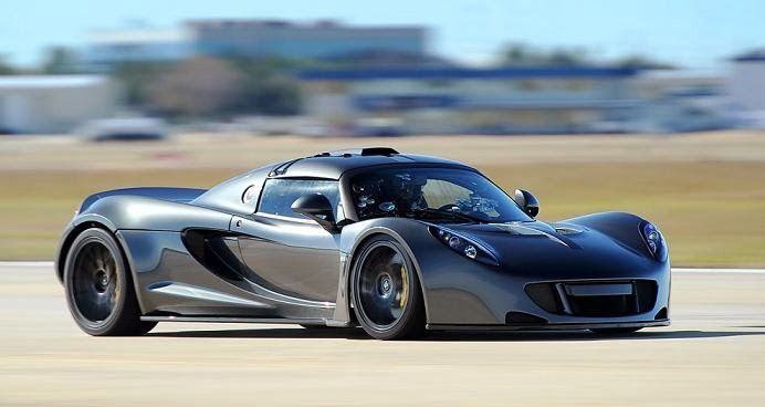 A New Speed Record Hennessey Venom Gt Hits 270 Mph