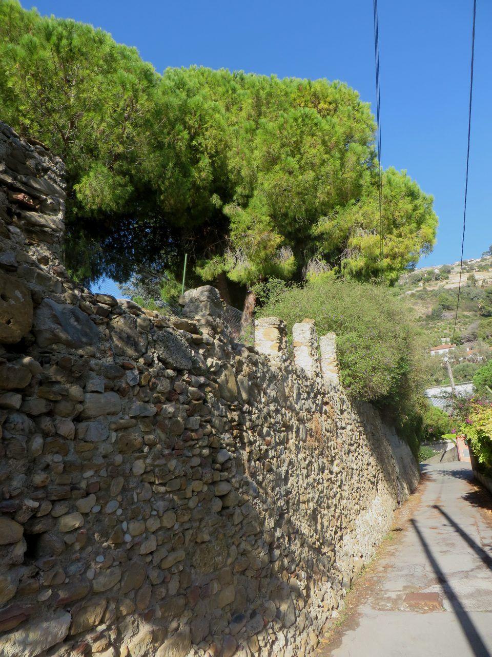 Latte Frazione di Ventimiglia (IM)  un tratto della Via Romana