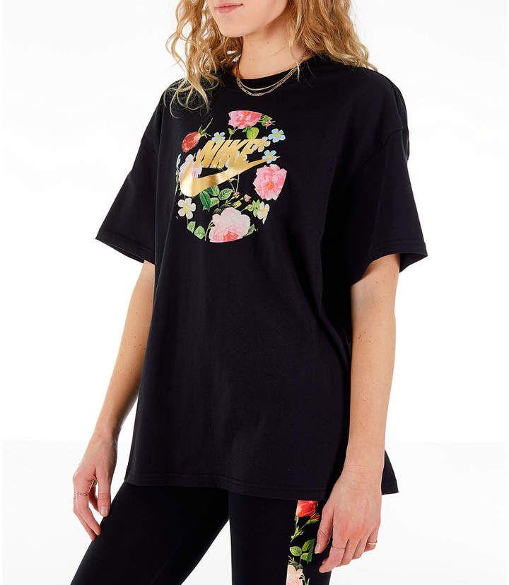 024b5cf2 Nike Women's Sportswear Essential Boyfriend Floral T-Shirt in 2019 ...