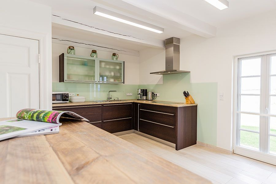Moderne Küche mit Holzfliesen von #Ariostea #legni, pflegeleicht - holzdielen in der küche