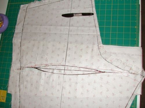 Fisheye dart alteration for baggy trouser rears :: Stitches and Seams