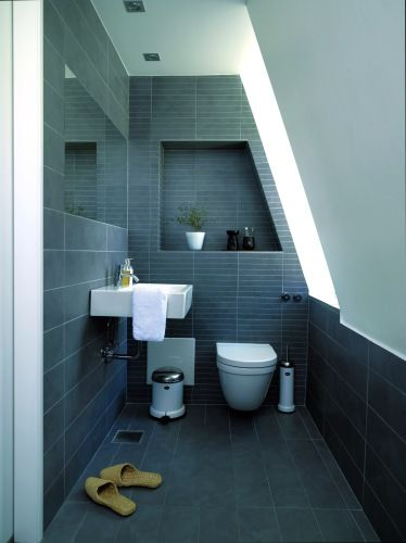 kleine badkamer schuin dak | clearly i\'m obsessed with grey-blue ...