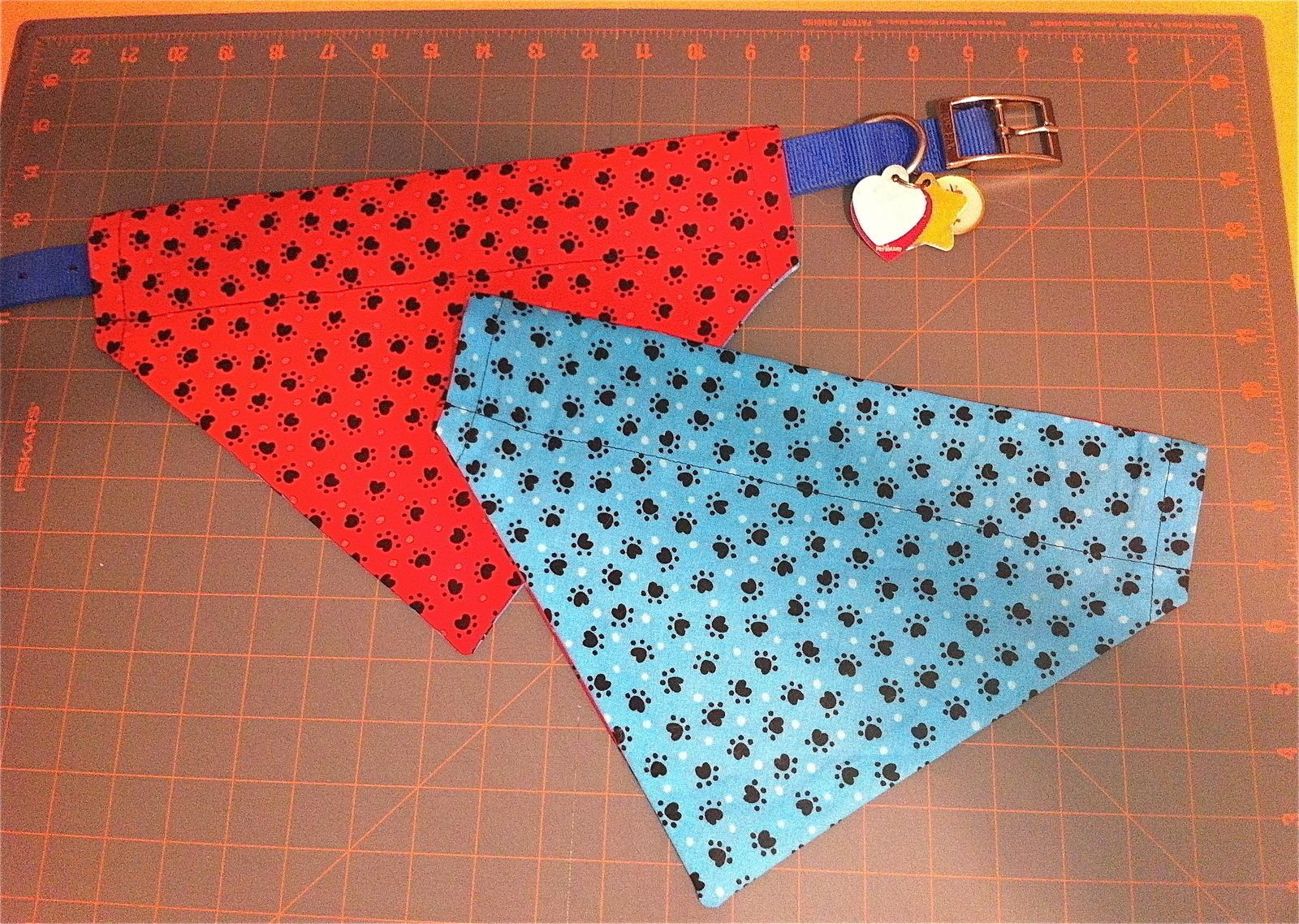 Reversible Over The Collar Dog Bandana Dog Collar