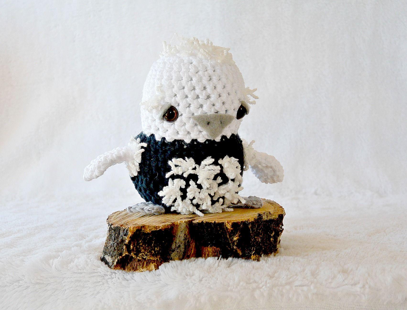 Crochet Baby Penguin via @MamaInAStitch | crochet | Pinterest