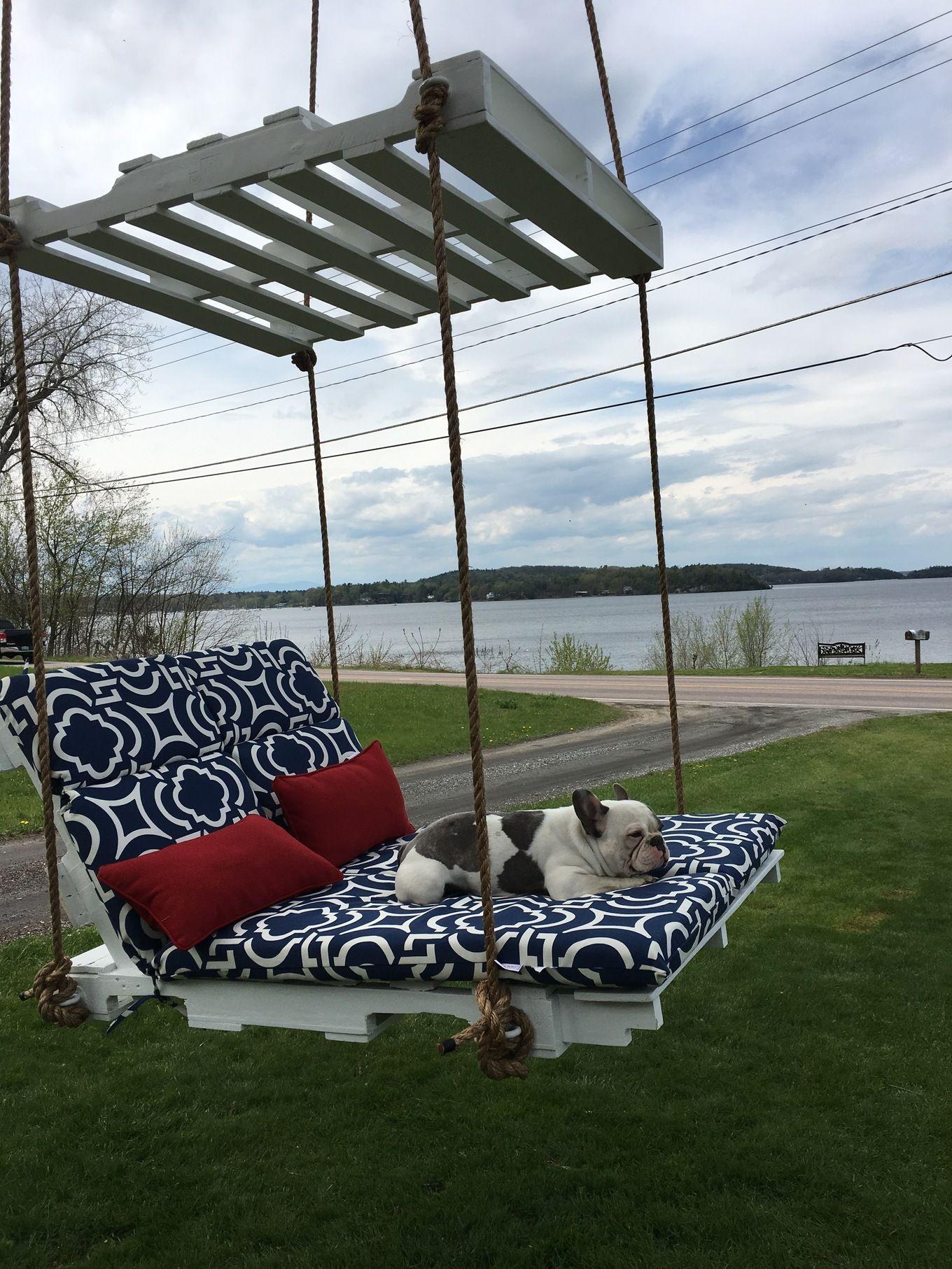 Comment Faire Une Balancelle En Palette made a pallet lounge tree swingand it's awesome