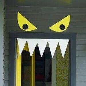 Easy Door Decorations For