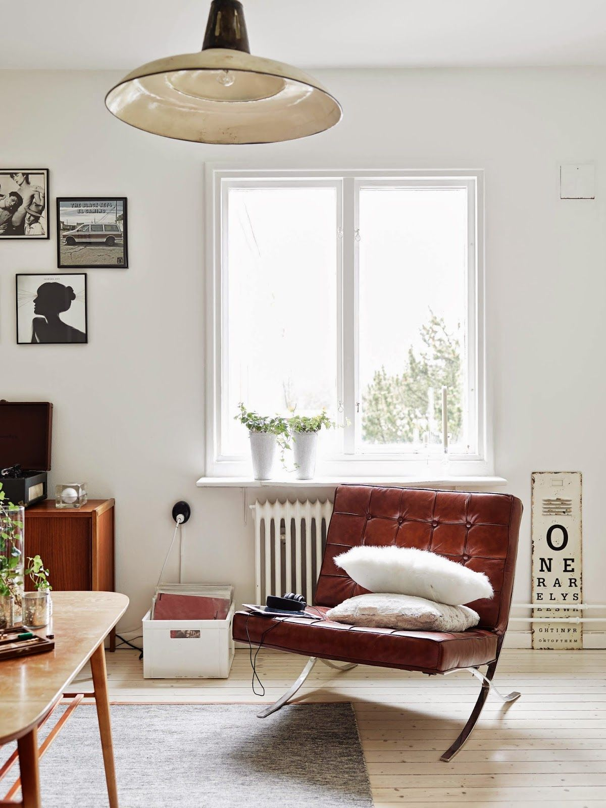my scandinavian home: Monochrome and cognac in a vintage inspired ...