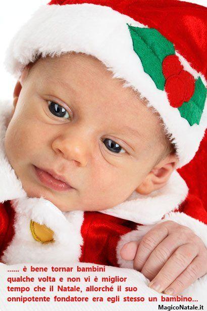 Biglietto di Auguri con Bambino vestito da babbo Natale ... 3d4faa12b7a
