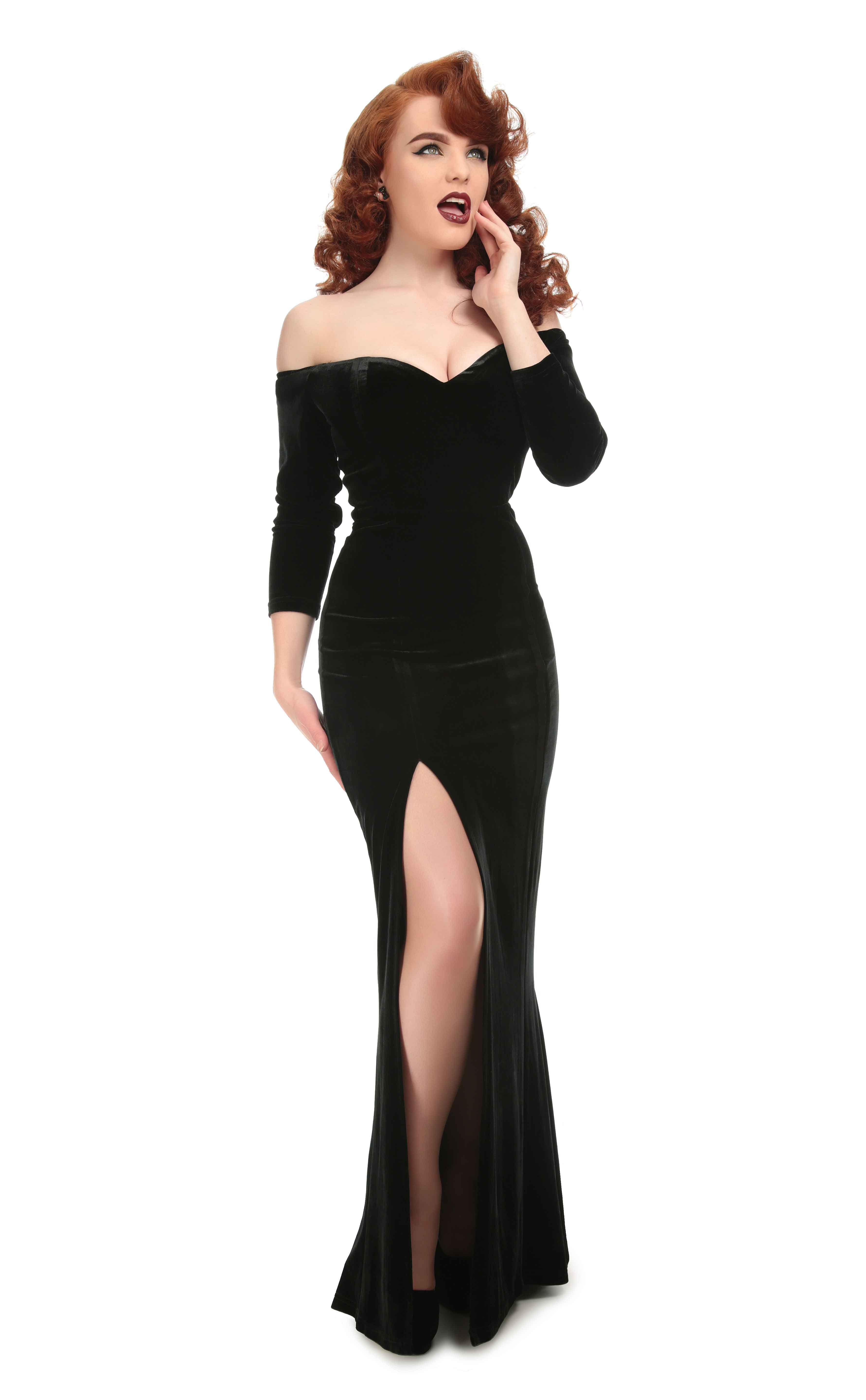 36d2a0a3b8 Collectif Plus Size Anjelica Velvet Maxi Dress Absolutely stunning plus  size black velvet maxi dress from Collectif! The beautiful Anjelica dress  screams ...