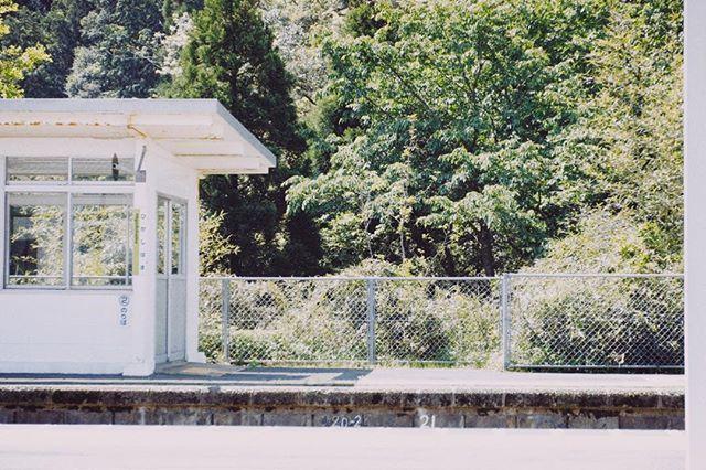 東浜駅 . #photographyislife  #unknownjapan  #art_of_japan_  #fujifilm_xseries  #oldnikkor  #スクリーンに恋して #hibi_jp #その瞬間に物語を #デジタルでフィルムを再現したい #フィルムに恋してる #何気ない瞬間を残したい #写真で伝える私の世界 #キリトリセカイ #オールドレンズの世界 #オールドレンズに恋をした  #撮るを楽しむ #jp_mood #jp_phos #whim_life #広がり同盟 #rox_captures #screen_archive #ifyouleave #coregraphy #indy_photolife  #reco_ig #indeis_gram #HUEART_life #関西写真部  #関西写真部share