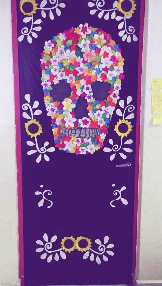 Puerta decorada del mes de noviembre diy for Decoracion de puertas de dia de muertos