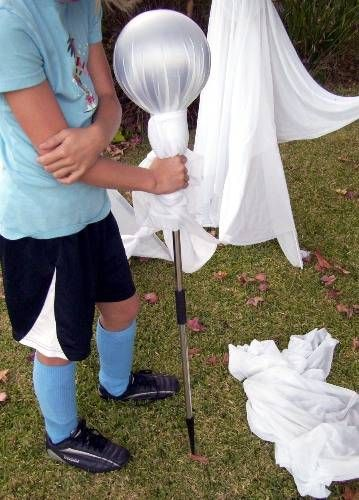 How to Make Floating Ghosts for Halloween Wizard staff, Halloween