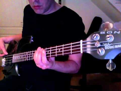 Superstition by Stevie Wonder bass lesson with tabs - How to