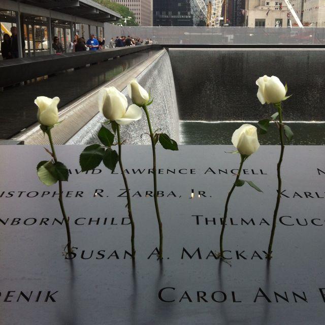 NYC. Ground Zero Memorial สถานที่รำลึกเหตุการณ์ 9/11 ที่ Ground Zero เปิดแล้ว #groundzeronyc
