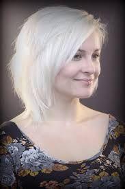 Resultado de imagem para cabelo loiro branco tumblr