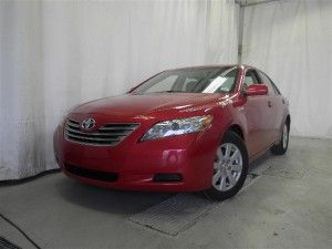 Toyota Camry Hybrid Affordable And Good Gas Mileage 35 Miles Per Gallon On The Highway 31 In City