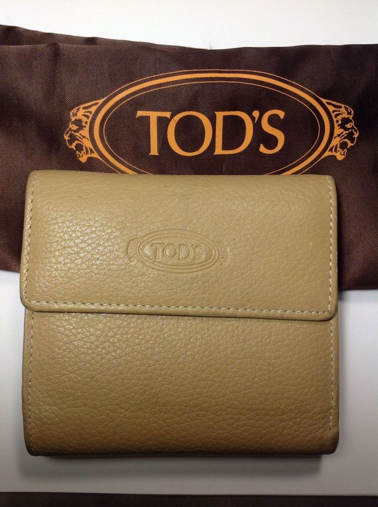 Tod's genuine leather wallet beige dust bag #Tods #Trifold