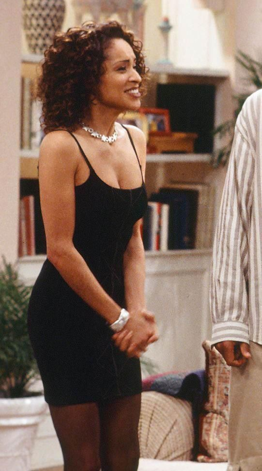 Hilary Banks 90s Fashion Icon Outfit Inspiration In 2020 Black 90s Fashion Black Girl Fashion Fashion