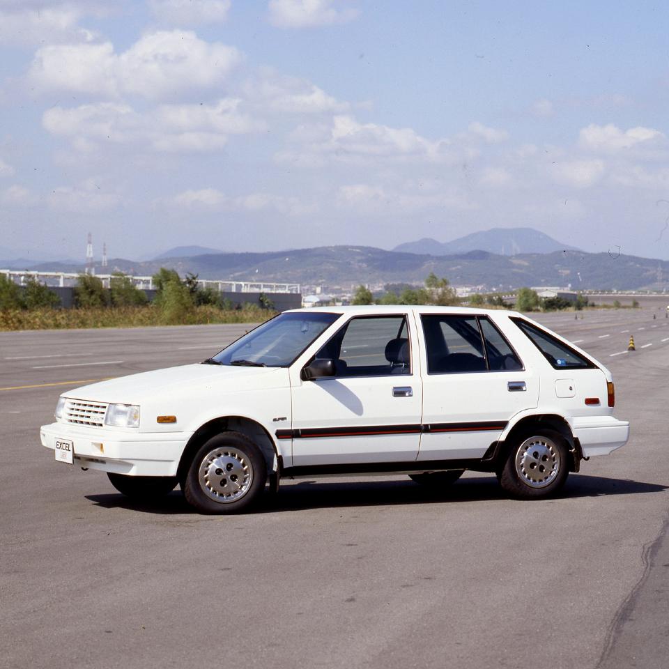 응답하라 현대자동차 엑셀 해치백 등장 과 동시에 베스트셀러 자리를 차지했던 엑셀입니다 Response Hyundai Motor Excel Hatch Back In The 80 S With The Appearance A Hatchback Hyundai Car