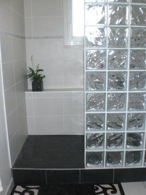 Douche italienne moderne carreau verre recherche google - Pave de verre salle de bain ...