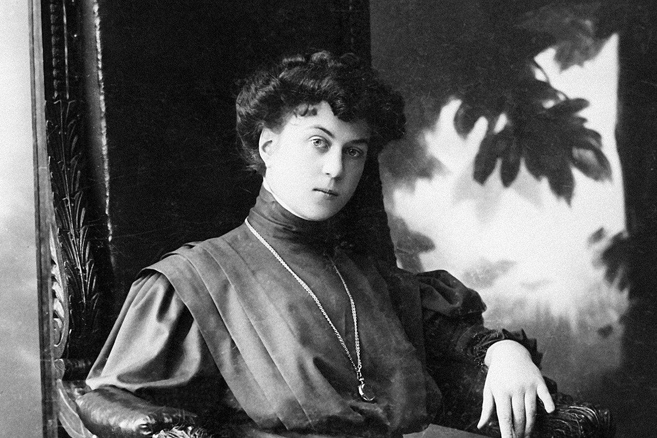 Alexandra Kollontai And Her Comrades Founded The Zhenotdel In 1918
